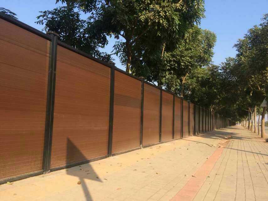 环保美观装配式木塑红板围挡